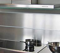 Cuisine sur mesure en inox plans de travail en inox for Credence inox a coller sur carrelage